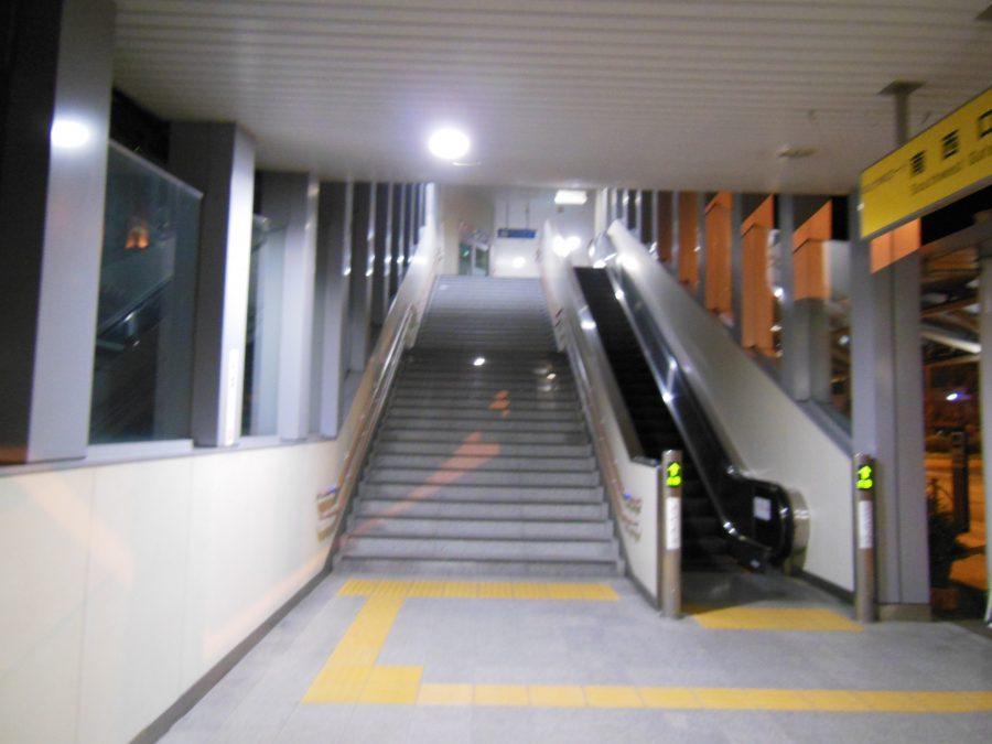 亀岡駅の階段