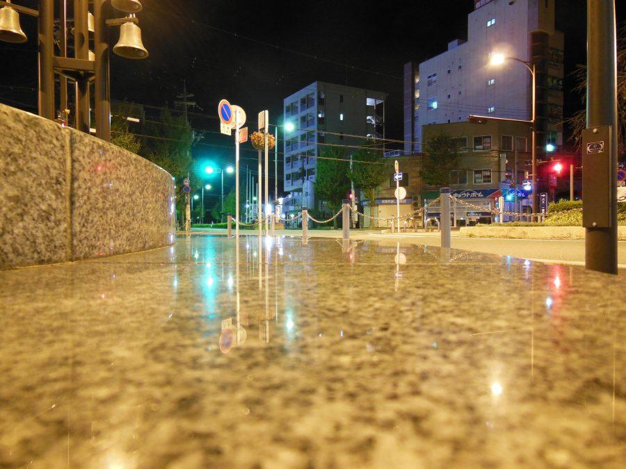 深夜の亀岡駅前