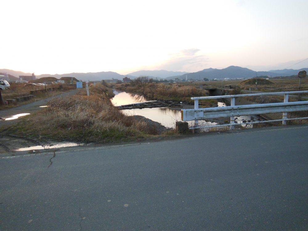 アユモドキが生息する小川