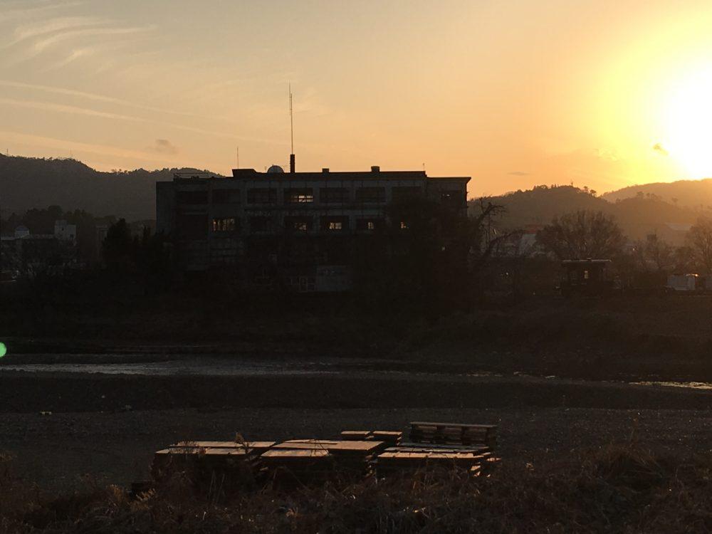夕日が綺麗な旧亀岡商工会